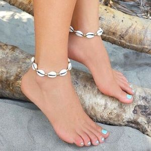 BEACHY SEASHELL ANKLET!!